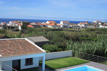 Great Villa near the beach + Pool - Huis