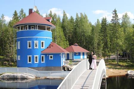 Villa Muu, pyöreä huvila rannalla - Juva