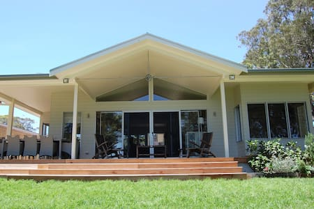 Long Reef Beach House - Rumah