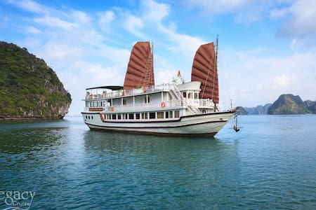 1 Night Cabin Halong Legacy Cruise - tp. Hạ Long - Boot
