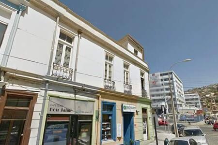 Habitación centro Valparaíso pasos Hospital Van B. - Ház