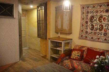 Your home by Old Town, own entrance - Tallinn - Wohnung