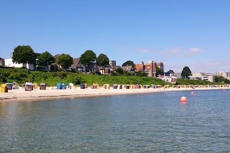Strandperle Kiel-Schilksee, 100 Meter zum Strand - Kiel