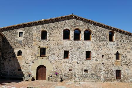 Fortified Masia near Girona - Llorà - Castello