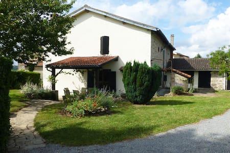 Beautiful French Stone Farmhouse in Haute Vienne - Balledent - Willa