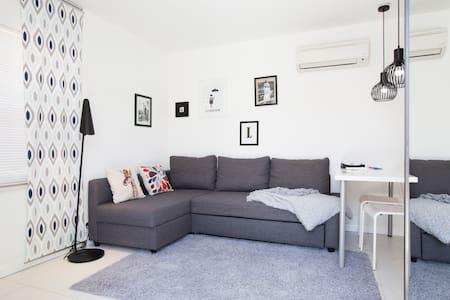 Luxurious & Comfortable Studio - Pis