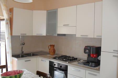 2 camere Cucina e Bagno nel cuore del Pollino - Apartment