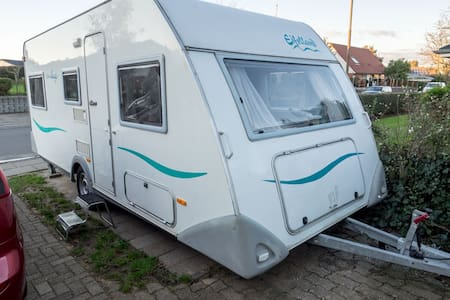 Cozy camper with access to house and garden - Struer