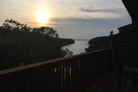 Peaceful Ocean Condo Best View - Társasház
