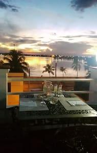 Comfort e pulizia sul Malecon - Cienfuegos - Szoba reggelivel