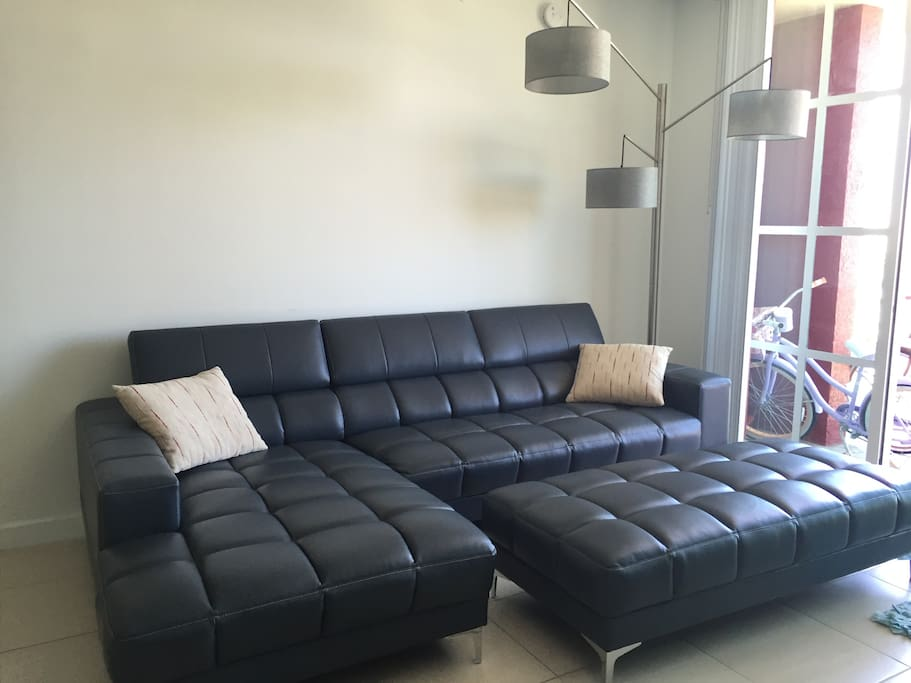 Beautiful Living Room(Flat Screen TV complete with Apple TV is facing this Couch)