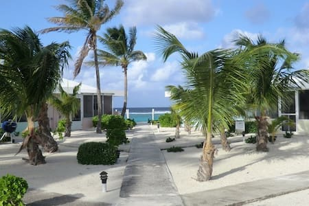Grand Cayman Sea Lodge Oceanfront on North Side - Condominium