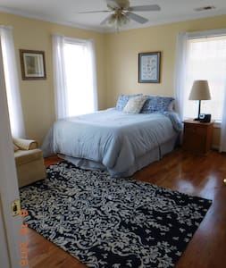 2 Bedroom Family Suite sleeps 5 - Easley - House