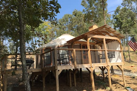NEW YURT  on Logan Martin Lake-AL - Ház