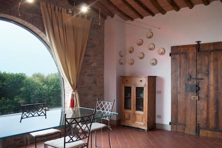 Old, beautiful Tuscan country house - Leilighet