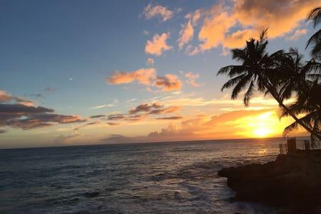 Seaside Hawaiian  vacation house 2 - House