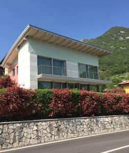Villa di design - vista mozzafiato - Ville del Monte - Villa