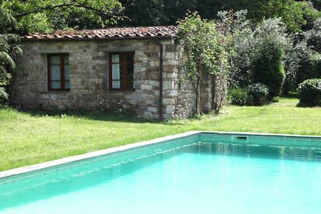 VILLA ORGANI 'the Rose Cottage' - Vaiano (PO) - Lägenhet