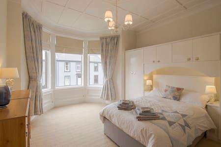 Troon Spacious Seaside Apartment - Apartamento