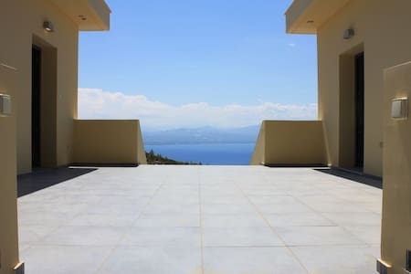 Dream Villa Anna Loutraki Super Sea view - Loutraki - Villa