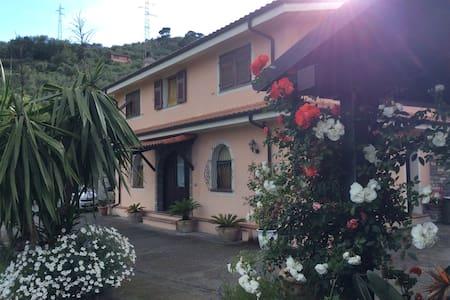 La Tavernetta - Borgo D'oneglia - Apartment