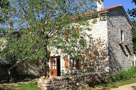House Ivela traditional stone house - Pazin
