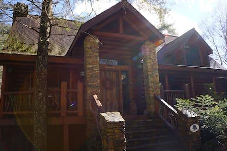 """Shadow's Creek"" A Luxury Log Cabin - Cashiers - Talo"