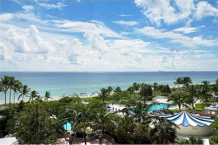 AMAZING 4BR w BEACH, POOL, SPA&WIFI - Miami - Apartment