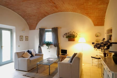 Romantic Apartment Private Terrace - San Gimignano - Apartment