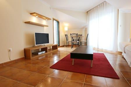 Magnificent 4 Bedroom Flat - Bueu - Apartment