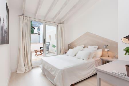 Bedroom w/ PRIVATE BATHROOM & TERRACE - SOLLER - Apartamento