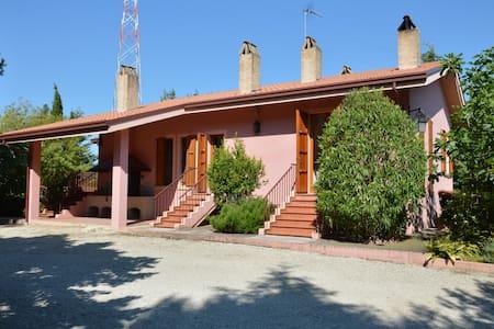 Villa del Granturco d'Oro - Fermo - Villa