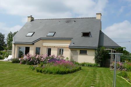Maison en Bretagne Romantique - Ev