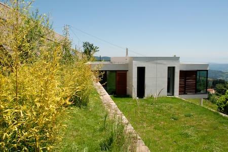 Maison contemporaine avec vue 180° - Hus