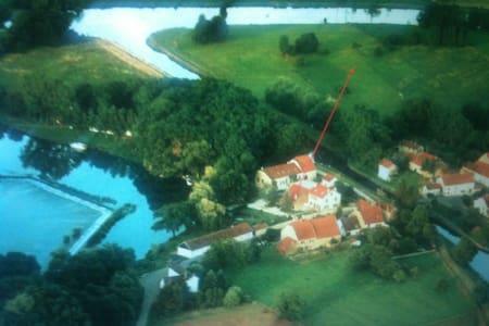 Ostfrankreich an der Saône - Rumah