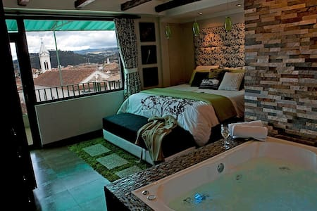 Centro. Sound-Proof. King. Jacuzzi. - Cuenca - Apartment