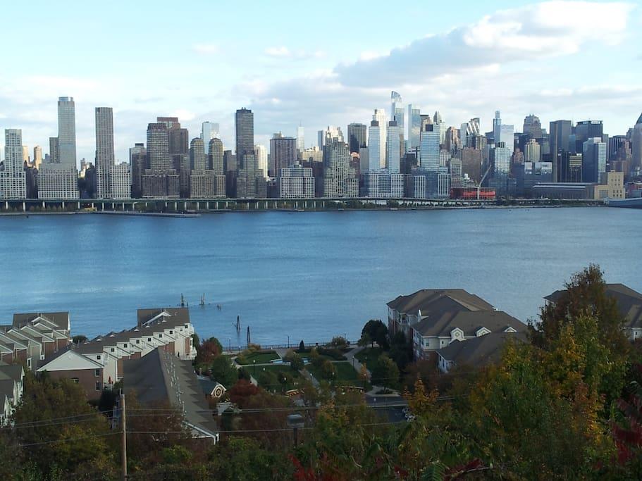 Best view of the Manhattan, 1 block away