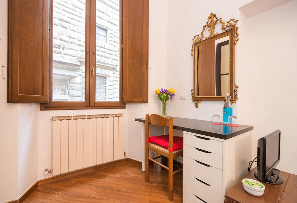 Maison orange private bathroom apartments for rent in for B b maison florence