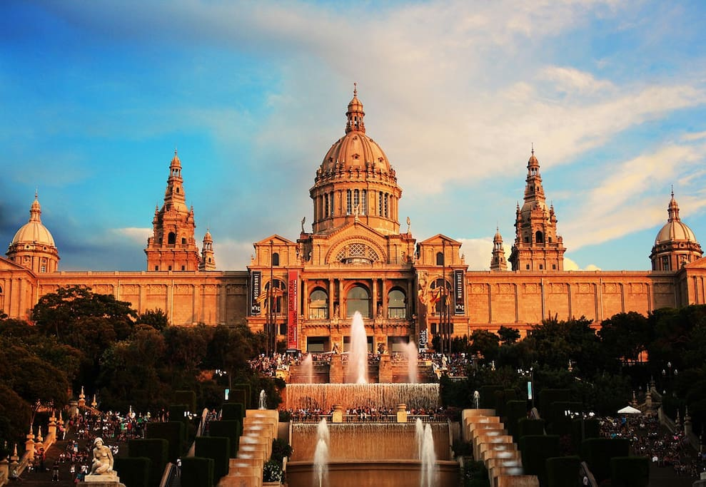 The beautiful Plaza Espanya is just a few minutes away from the house