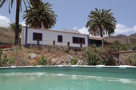 'Peace&Love' room,eco-villa Ecotara - Sant Bartolomé de Tirajana - Casa de camp