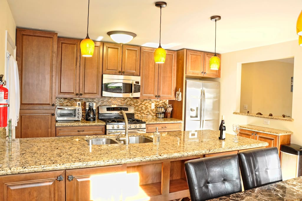 Prepare your own meal in your spacious and well equipped kitchen.