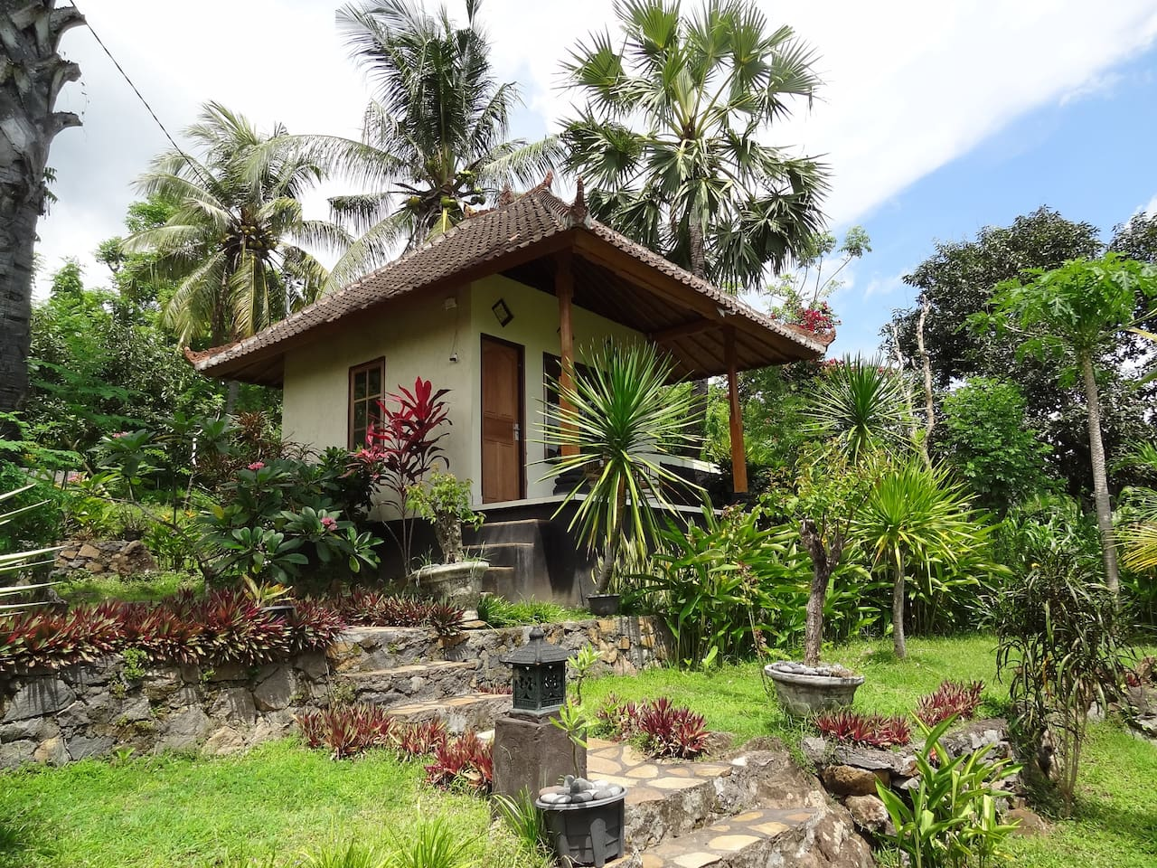 Bali Bungalow with sea view 1