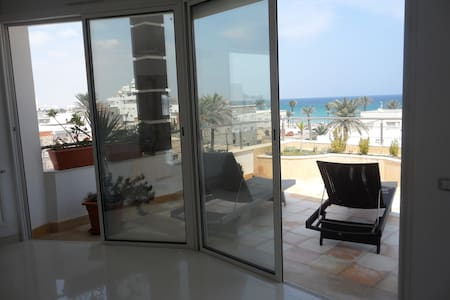 Modern Duplex with Seaview - Lejlighed