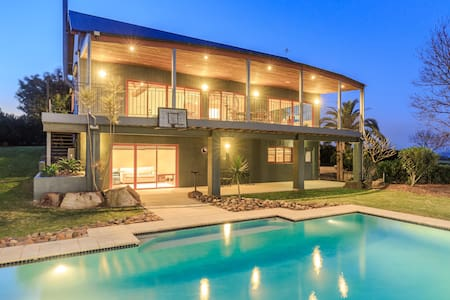 Lovedale House - Magnificent Views - Haus