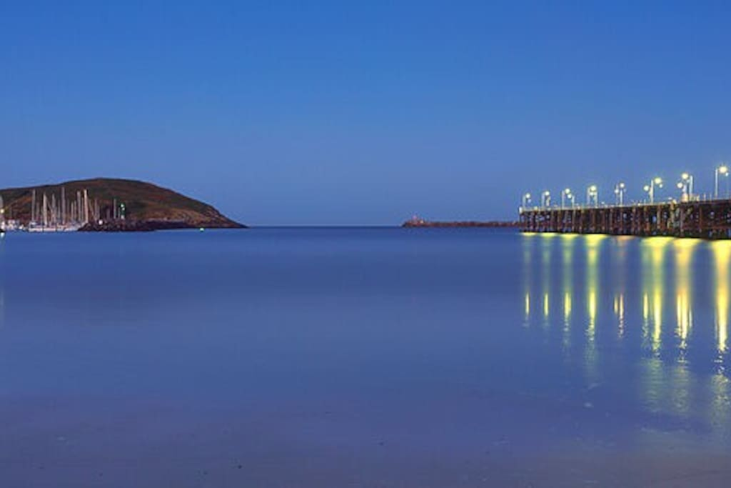 Coffs Harbour by night just minutes walk away
