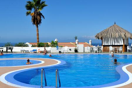 Room in Las Americas swimming+wifi