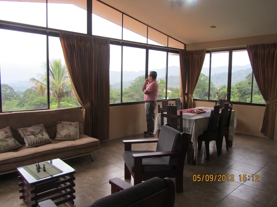 Can you believe this view for this price? Believe us, this IS your little home in Costa Rica.
