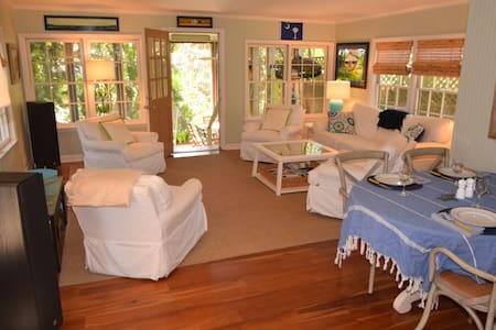 Follynesia - Enchanting Beach Bungalow - Фоли-Бич - Дом