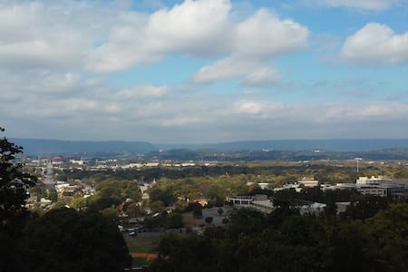 Million $ View w/Private Entrance-Minutes/Downtown - Chattanooga - Rumah
