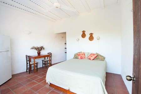 Cabina Blanca - Cozy & Secluded - Playa Conchal - Cabin